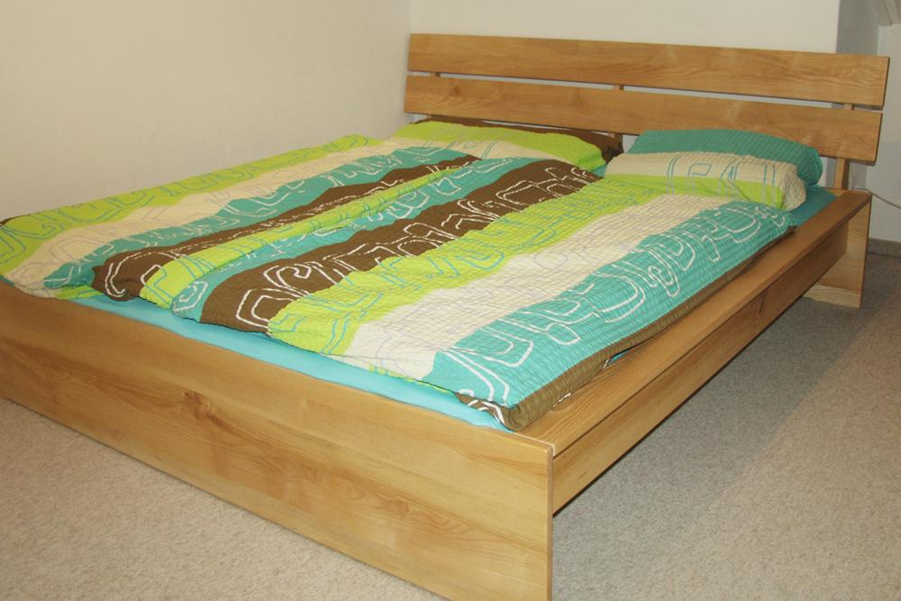 holzweg ch faszination massivholz betten. Black Bedroom Furniture Sets. Home Design Ideas